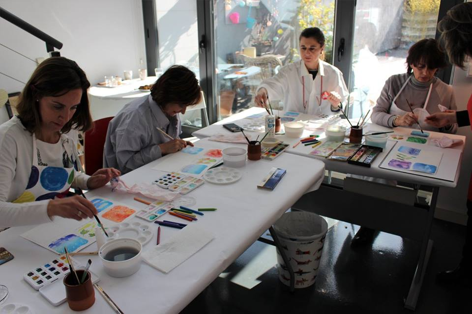Taller acuarela para equipos, trabajo en equipo, taller de pintura para gestionar equipos, crecimiento de equipos, pintura y creatividad en equipo, bienestar en equipo, bienestar en la empresa